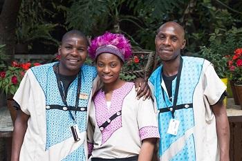 Moyos - Three waitrons